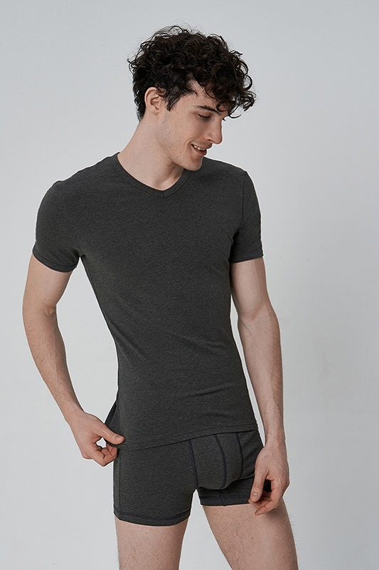 Футболка Slim fit (V-neck)